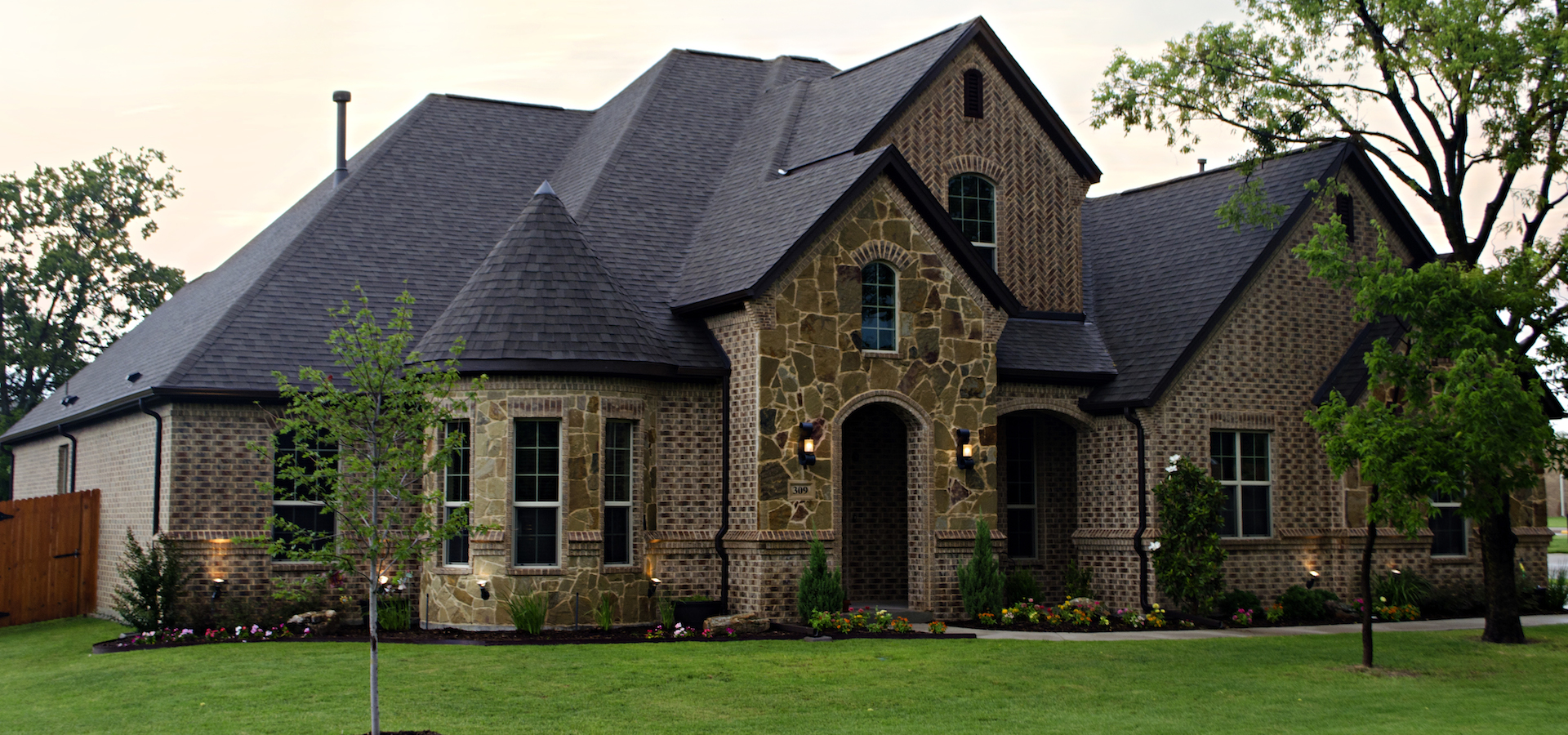 Making Your Vision Come to Life. Custom Home Builders for Ft Worth  Dallas  and the Denton area